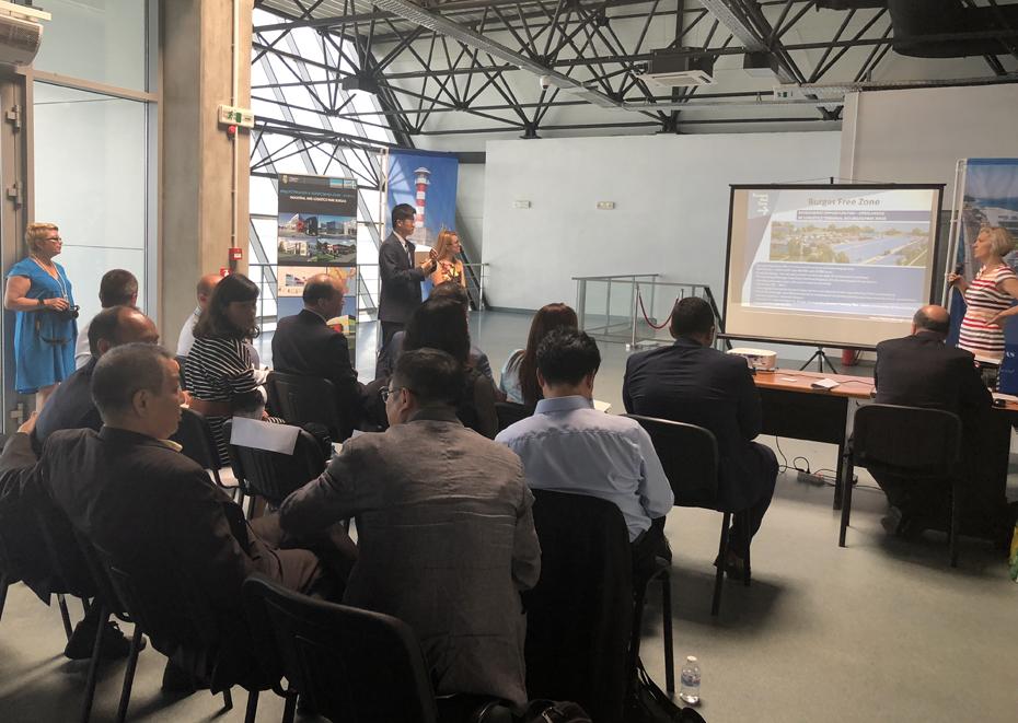 Делегация из экспериментальной Шанхайской Зоны свободной торговли, Китай, посетила Бургас